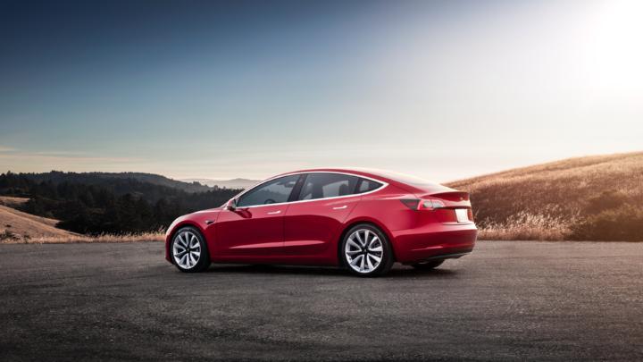Tesla Model 3   ©Tesla