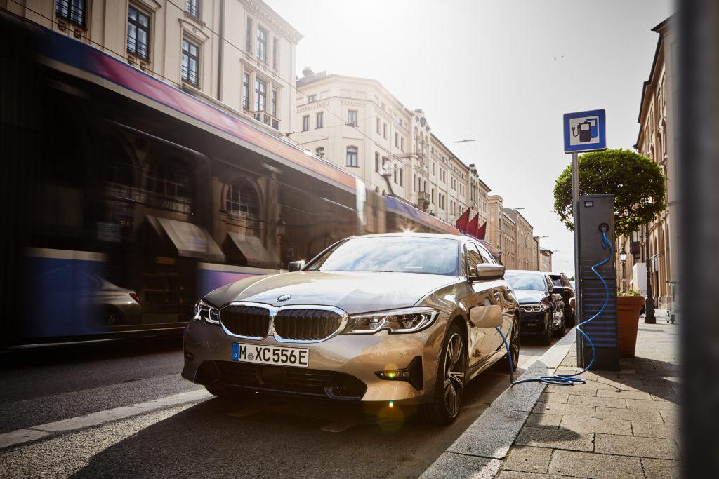 BMW 330e   ©BMW Group