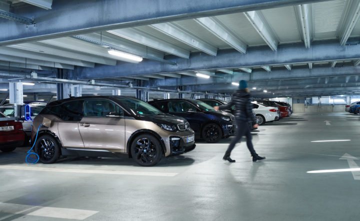 BMW I3s Charging | ©BMW Group