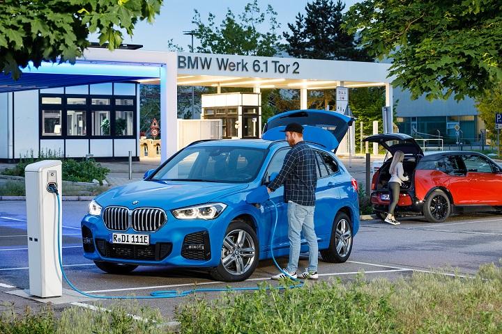 Doppelförderung Für E-Auto-Kauf | ©BMW Group